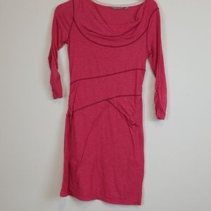 Athleta pink 3/4 sleeves active Ukiah dress